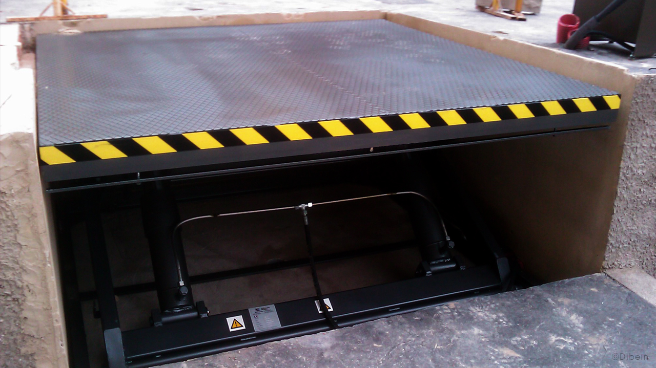 Car lifting platform extremelly safe and reliable.